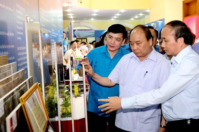 Chùm ảnh: Thủ tướng đối thoại với công nhân - Ảnh 12.