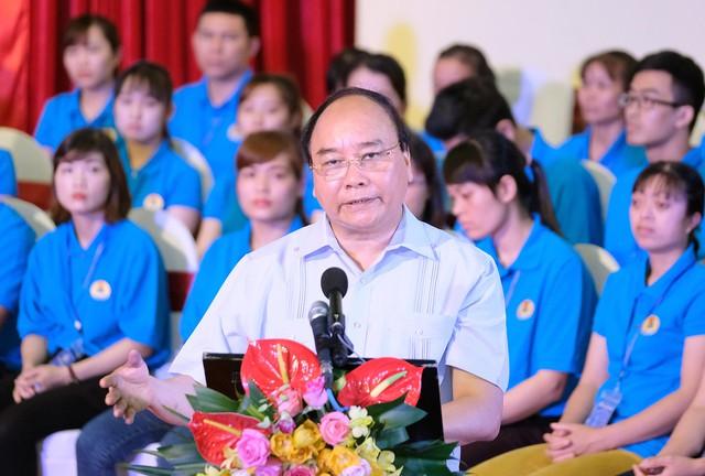 Chùm ảnh: Thủ tướng đối thoại với công nhân - Ảnh 5.