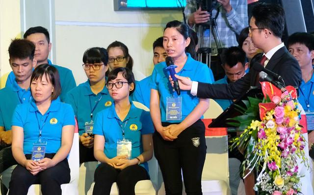 Chùm ảnh: Thủ tướng đối thoại với công nhân - Ảnh 8.