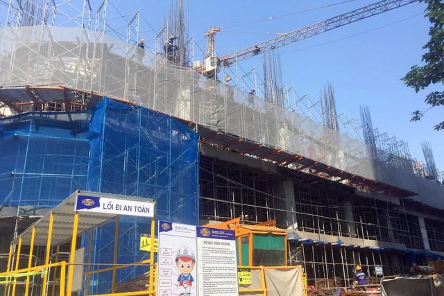 Soi nguồn cung hàng nghìn căn hộ cao tầng mới tinh đang đổ bộ vào khu phía Tây Hà Nội - Ảnh 1.