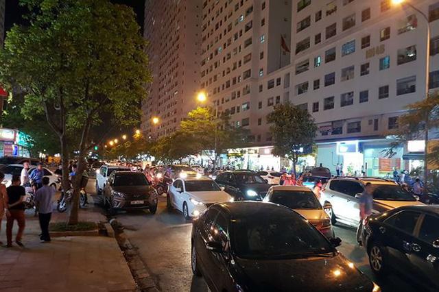 Náo loạn vì bãi đỗ xe lậu lớn nhất Linh Đàm bị đóng cửa - Ảnh 4.