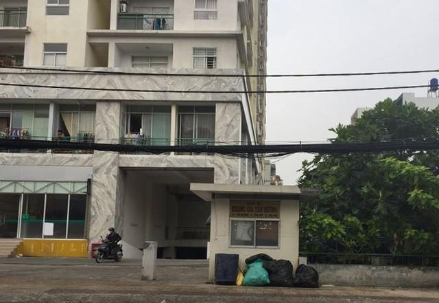 Xây chui 60 căn hộ giữa Sài Gòn mà cơ quan chức năng vẫn ngó lơ? - Ảnh 2.