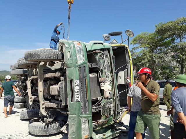 Mới nhất từ hiện trường tai nạn tàu hỏa: Hơn 2000 khách bị ảnh hưởng, gấp rút sửa đường ray - Ảnh 5.