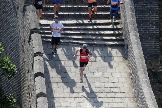 Ảnh ấn tượng về cuộc marathon đặc biệt trên Vạn Lý Trường Thành - Ảnh 15.