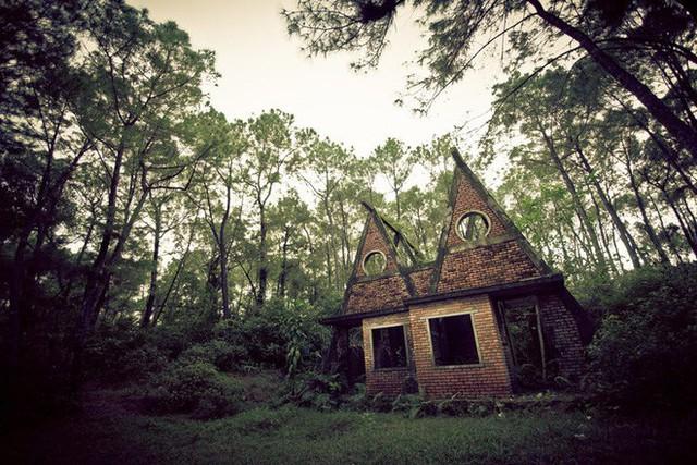 Dù tiêu điều, công viên nước bỏ hoang tại Huế vẫn đẹp đến ma mị qua ống kính của nhiếp ảnh gia Mỹ - Ảnh 4.