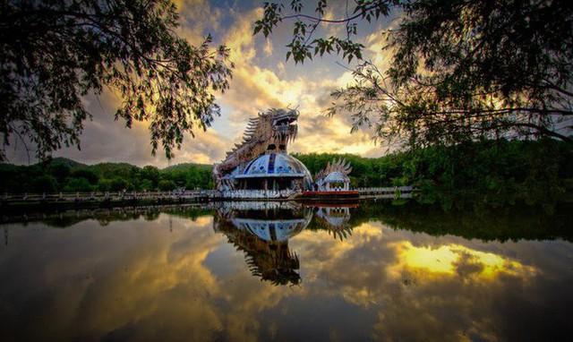 Dù tiêu điều, công viên nước bỏ hoang tại Huế vẫn đẹp đến ma mị qua ống kính của nhiếp ảnh gia Mỹ - Ảnh 6.