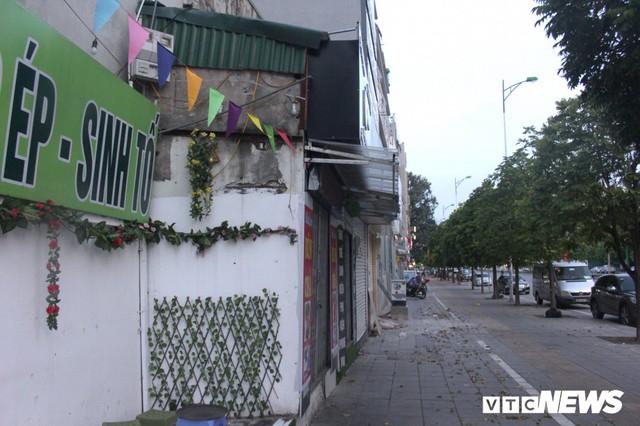 Những căn nhà siêu mỏng đắt hơn vàng ở Hà Nội - Ảnh 2.