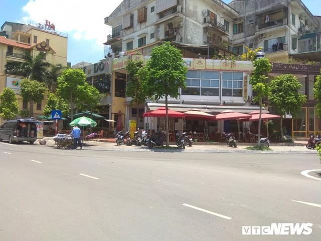 Những căn nhà siêu mỏng đắt hơn vàng ở Hà Nội - Ảnh 5.