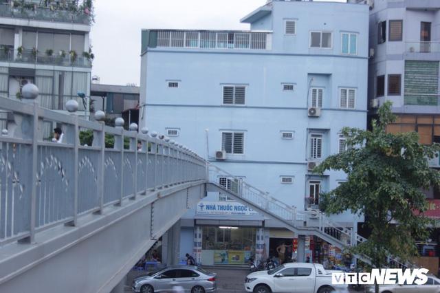 Những căn nhà siêu mỏng đắt hơn vàng ở Hà Nội - Ảnh 6.