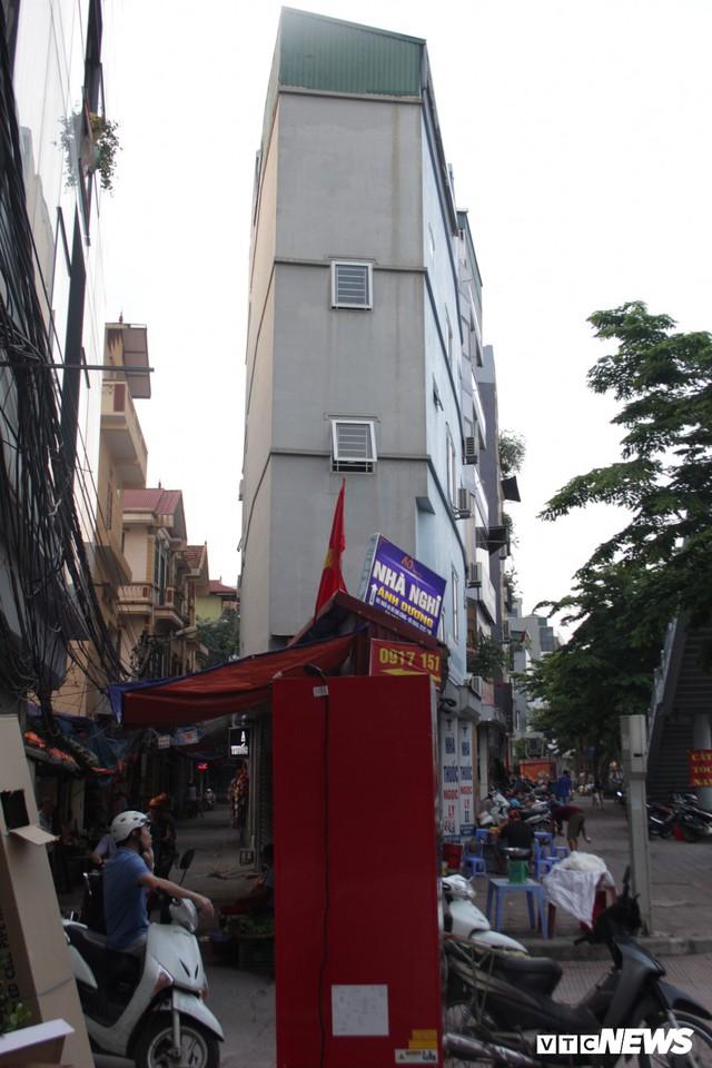 Những căn nhà siêu mỏng đắt hơn vàng ở Hà Nội - Ảnh 7.