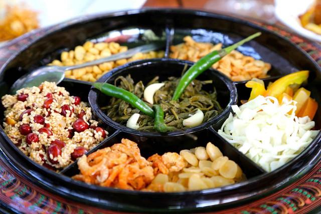 Lạ kỳ món salad lá trà độc đáo chỉ có tại xứ sở Phật giáo Myanmar - Ảnh 1.