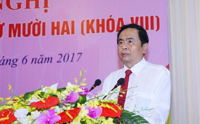 Ông Trần Thanh Mẫn và ông Trần Cẩm Tú được bầu bổ sung vào Ban Bí thư Trung ương - Ảnh 1.