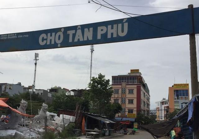Chợ tiền tỷ bỏ hoang 14 năm ở Sài Gòn - Ảnh 1.