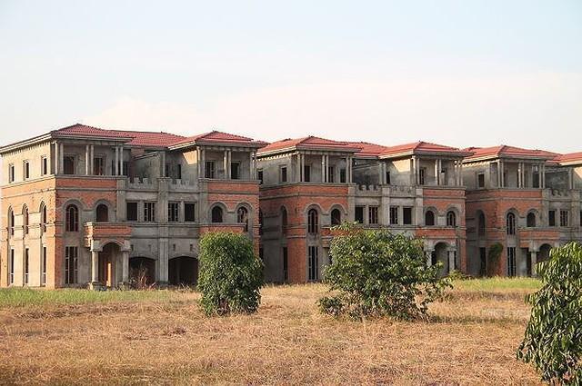 Lộ lý do siêu thành phố hoang tàn ở Bình Dương - Ảnh 1.