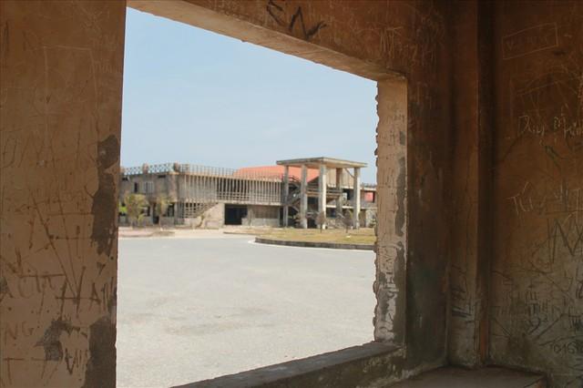 Cận cảnh dự án khu du lịch 8 nghìn tỉ xây dựng dở dang 13 năm - Ảnh 8.