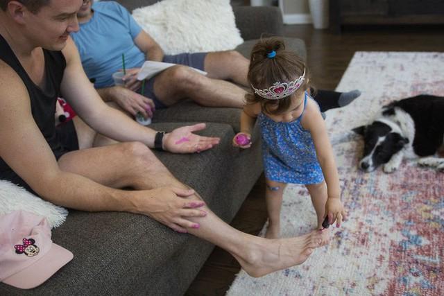 Chùm ảnh: Khi các ông bố yêu con, thì tình yêu ấy sẽ có hình dáng như thế này - Ảnh 4.