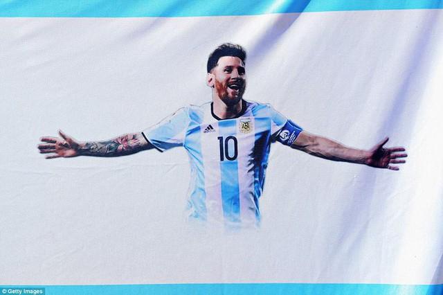 Trước những chiến binh Viking, Messi cúi mặt hát bài Đừng khóc cho tôi, Argentina - Ảnh 10.