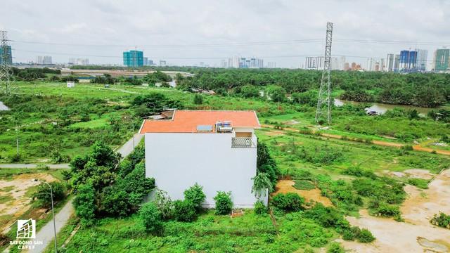 Cận cảnh dự án khu dân cư Bắc Rạch Chiếc bỏ hoang gần 20 năm ở trung tâm TP.HCM - Ảnh 8.