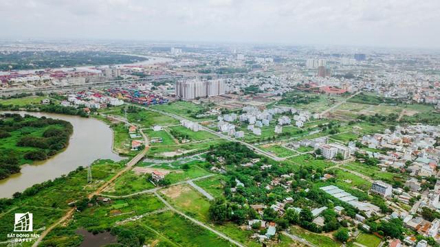 Cận cảnh dự án khu dân cư Bắc Rạch Chiếc bỏ hoang gần 20 năm ở trung tâm TP.HCM - Ảnh 5.