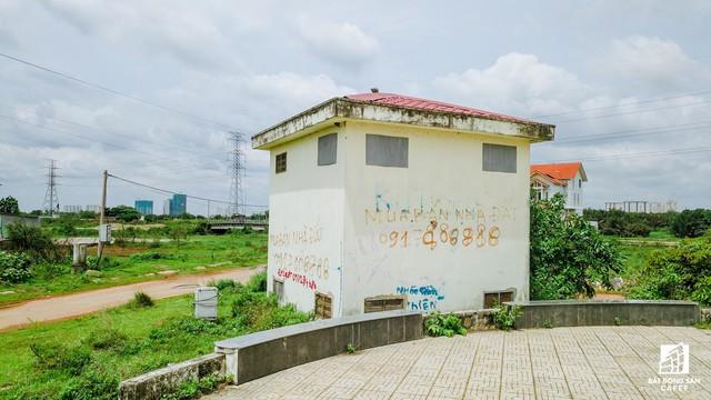 Cận cảnh dự án khu dân cư Bắc Rạch Chiếc bỏ hoang gần 20 năm ở trung tâm TP.HCM - Ảnh 11.