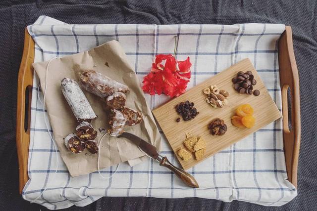 Không chỉ có World Cup rực lửa, nước Nga còn hấp dẫn và quyến rũ với món xúc xích chocolate ngọt ngào - Ảnh 3.