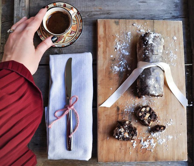 Không chỉ có World Cup rực lửa, nước Nga còn hấp dẫn và quyến rũ với món xúc xích chocolate ngọt ngào - Ảnh 6.
