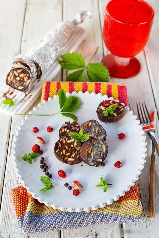 Không chỉ có World Cup rực lửa, nước Nga còn hấp dẫn và quyến rũ với món xúc xích chocolate ngọt ngào - Ảnh 10.