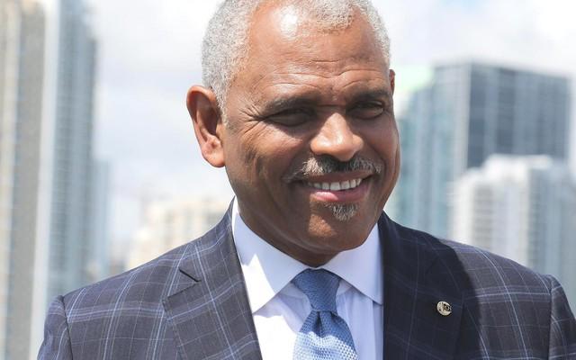 """Chỉ nhờ sức mạnh của một câu nói, CEO Carnival đã thoát khỏi đói nghèo, """"xoay chuyển lịch sử"""" và đang điều hành tập đoàn 48 tỷ đô"""