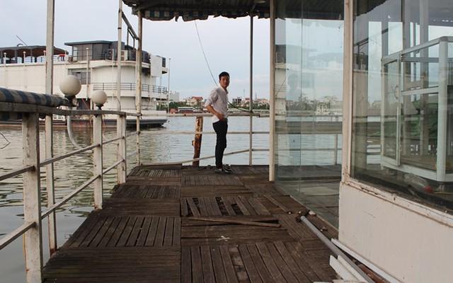 """Cận cảnh """"nghĩa địa"""" du thuyền, nhà hàng nổi trên Hồ Tây - Ảnh 7."""