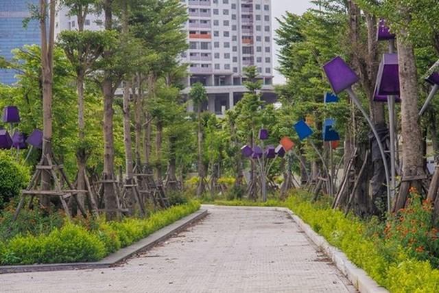 Ngổn ngang công viên hồ điều hòa 300 tỷ của quận cao ốc Thủ đô  - Ảnh 8.