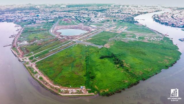 Ngổn ngang dự án khu thành thị 2 tỷ đô ven bờ sông đẹp nhất Sài Gòn sau gần 10 năm đầu tư - Ảnh 2.