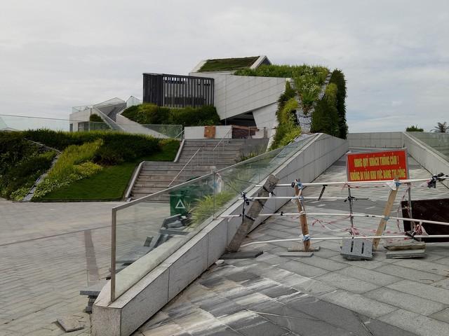 Cận cảnh dự án nhà hàng, bến du thuyền của Vũ nhôm ngay bờ sông Hàn đang bị tham khảo thu hồi - Ảnh 1.