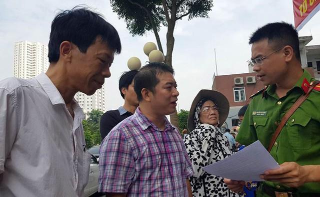 Hàng loạt vi phạm PCCC, tính mạng cư dân chung cư SME Hoàng Gia treo lơ lửng - Ảnh 2.