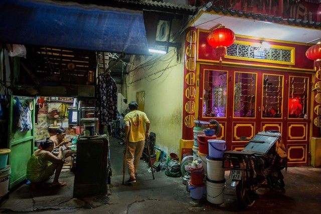 Cuộc sống trong những căn nhà siêu nhỏ ở trung tâm Sài Gòn - Ảnh 1.