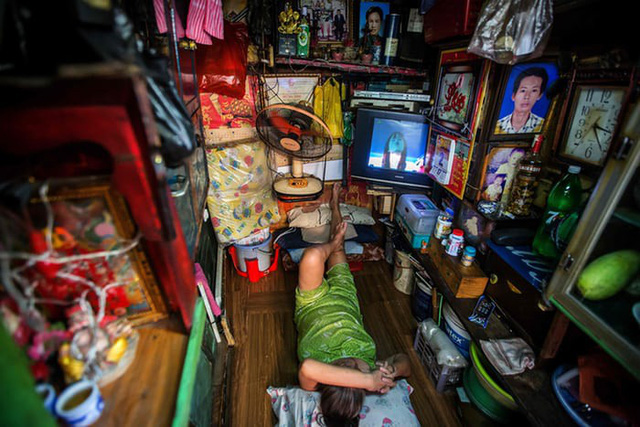 Cuộc sống trong những căn nhà siêu nhỏ ở trung tâm Sài Gòn - Ảnh 2.