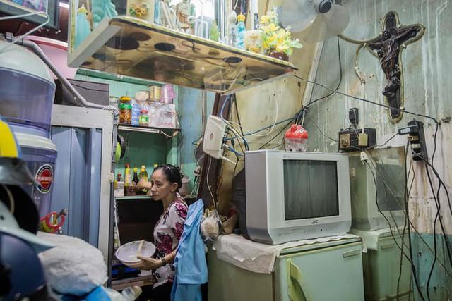 Cuộc sống trong những căn nhà siêu nhỏ ở trung tâm Sài Gòn - Ảnh 12.