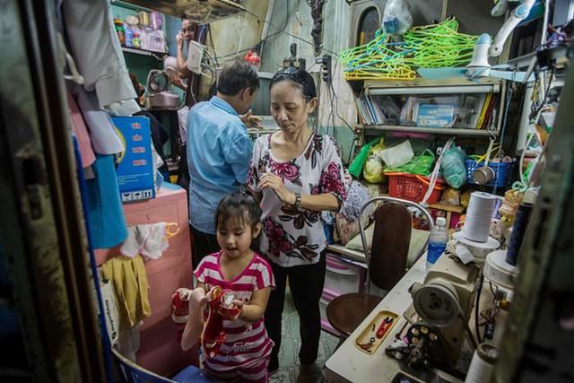 Cuộc sống trong những căn nhà siêu nhỏ ở trung tâm Sài Gòn - Ảnh 14.