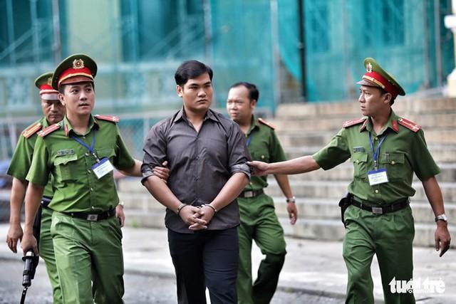 Nhóm khủng bố sân bay Tân Sơn Nhất lại hầu tòa - Ảnh 3.