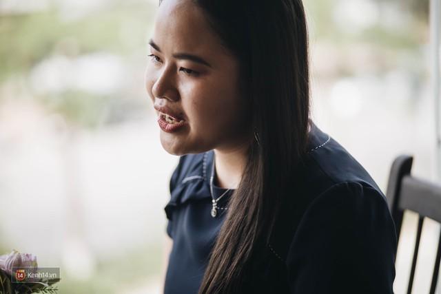 Nữ MC khiếm thị đầu tiên dẫn bản tin trực tiếp: Chẳng có ước mơ nào là không thực hiện được, quan trọng phải luôn tin tưởng vào bản thân - Ảnh 3.