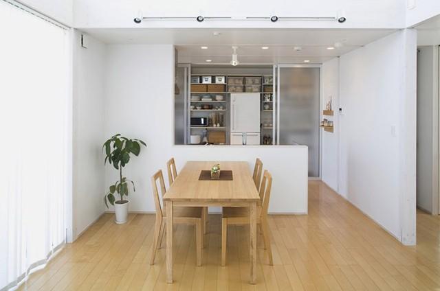 Ngôi nhà mang phong cách tối giản, tân tiến - Ảnh 5.