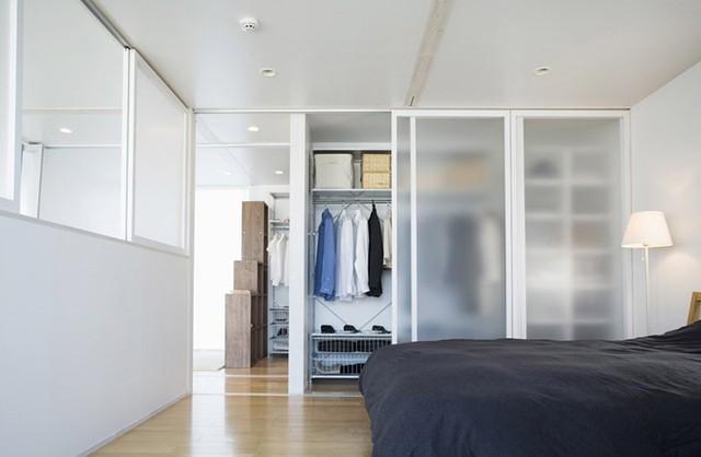 Ngôi nhà mang phong cách tối giản, tân tiến - Ảnh 9.