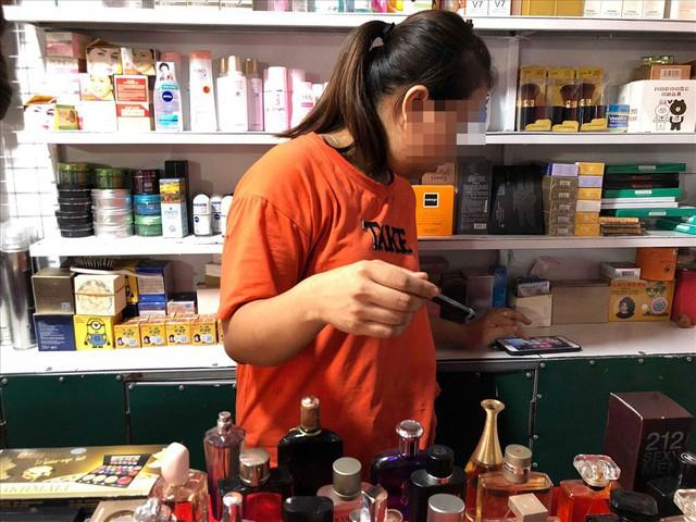 Chỉ cần làm luật 7-10 triệu là bán nước hoa siêu rẻ vô tư - Ảnh 2.