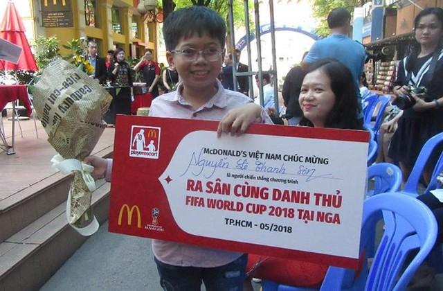 Một cậu bé Việt Nam được ra sân trong trận chung kết World Cup 2018 - Ảnh 3.