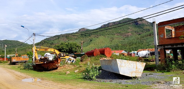 Cận cảnh siêu dự án nghỉ dưỡng ven bãi biển đẹp nhất Ninh Thuận bị bỏ hoang, sắp đến thời điểm bị thu hồi - Ảnh 5.