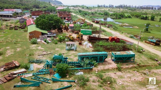 Cận cảnh siêu dự án nghỉ dưỡng ven bãi biển đẹp nhất Ninh Thuận bị bỏ hoang, sắp đến thời điểm bị thu hồi - Ảnh 16.