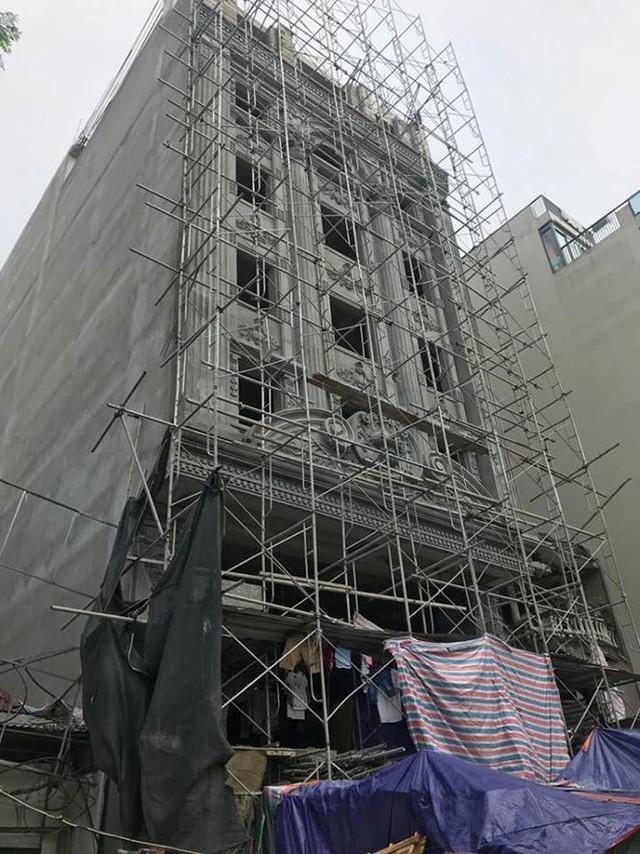 Quận trọng điểm Hà Nội bùng phát nhà sai phép kiểu mới - Ảnh 2.