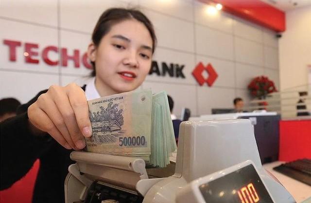 VPBank có doanh nghiệp tài chính là bảo bối, còn Techcombank có gì? - Ảnh 2.
