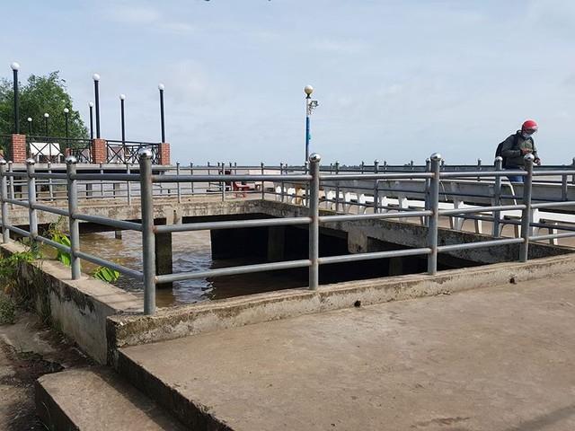 Cận cảnh đại công trình Resort lấn chiếm sông Hậu - Ảnh 6.