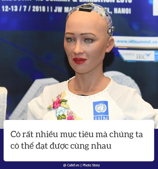 Robot Sophia nói gì về nhữngh mạng công nghiệp 4.0 ở Việt Nam? - Ảnh 6.