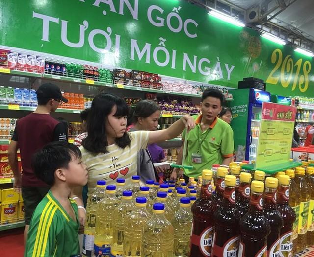 Việt Nam có hơn 1,4 triệu cửa hàng bán lẻ - Ảnh 1.